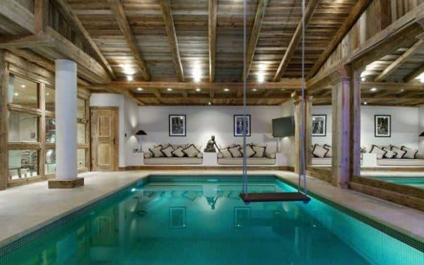 бассейн внутри дома