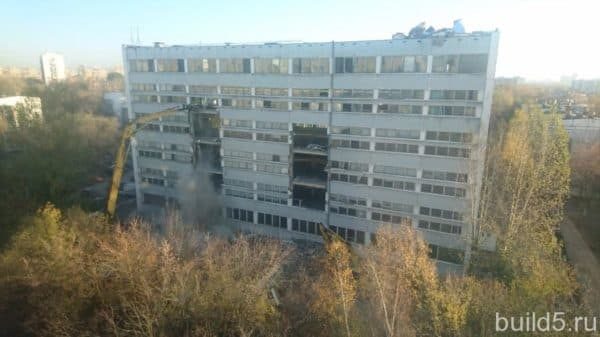 Снос дома на Кантемировской