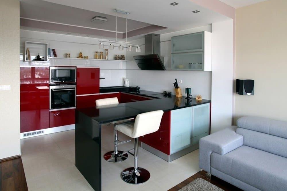 Кухня с барной стойкой хай-тек