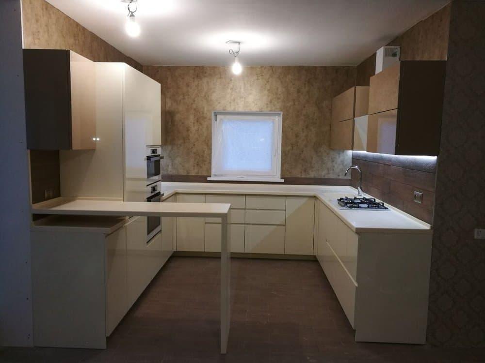 Кухонный гарнитур с барной стойкой или полуостровом