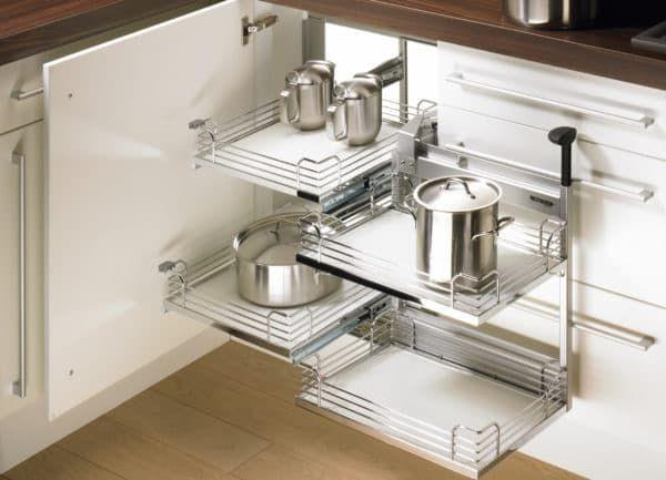 Выезжающие конструкции на кухне