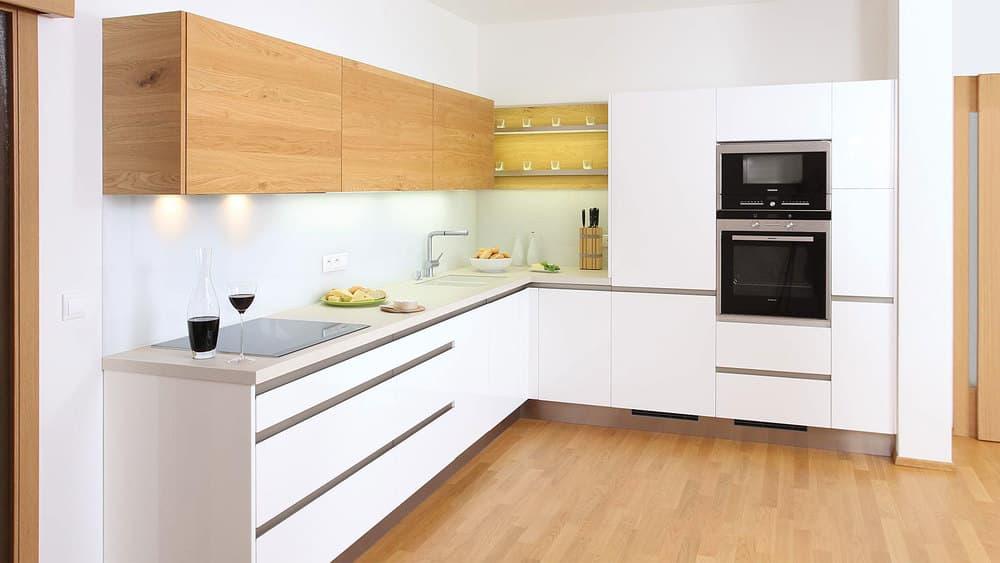 Г-образная форма кухни