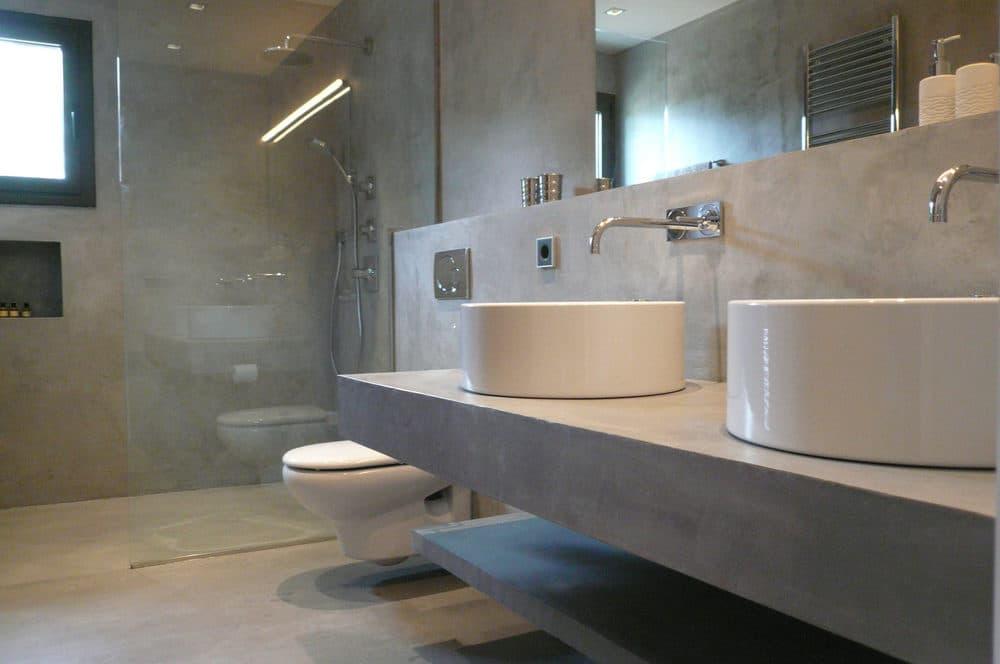 Микроцемент в стиле лофт в ванной