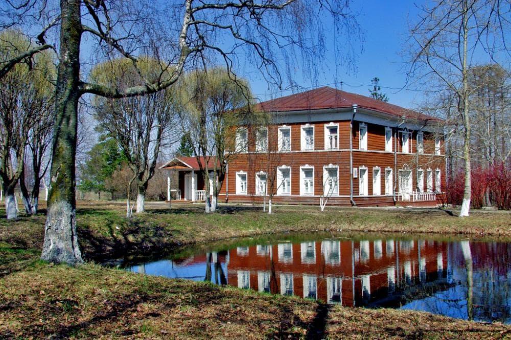 Дом в старом русском стиле