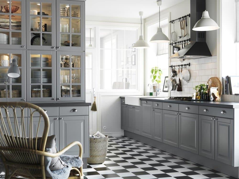 Серая кухня в скандинавском стиле
