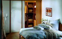 Как сделать гардеробную в спальне: в виде шкафа, угловая и другие интересные варианты реализации