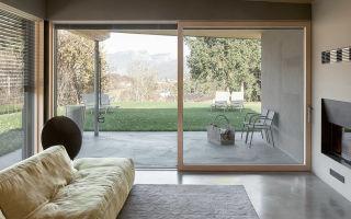 Какой материал выбрать для больших панорамных окон?