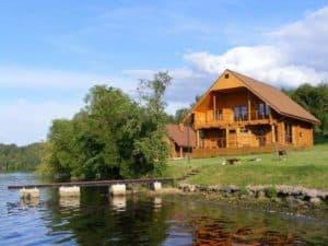 Дачный дом на берегу