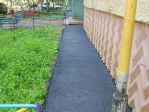 otmostka-iz-asfalta