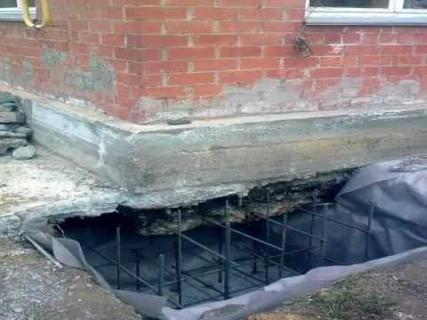 Установка арматуры при восстановлении старого фундамента