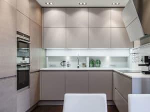 Интерьер кухни в стиле модерн 1