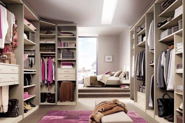 Расположение гардеробной в спальне