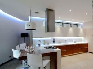 Интерьер кухни в стиле модерн 3