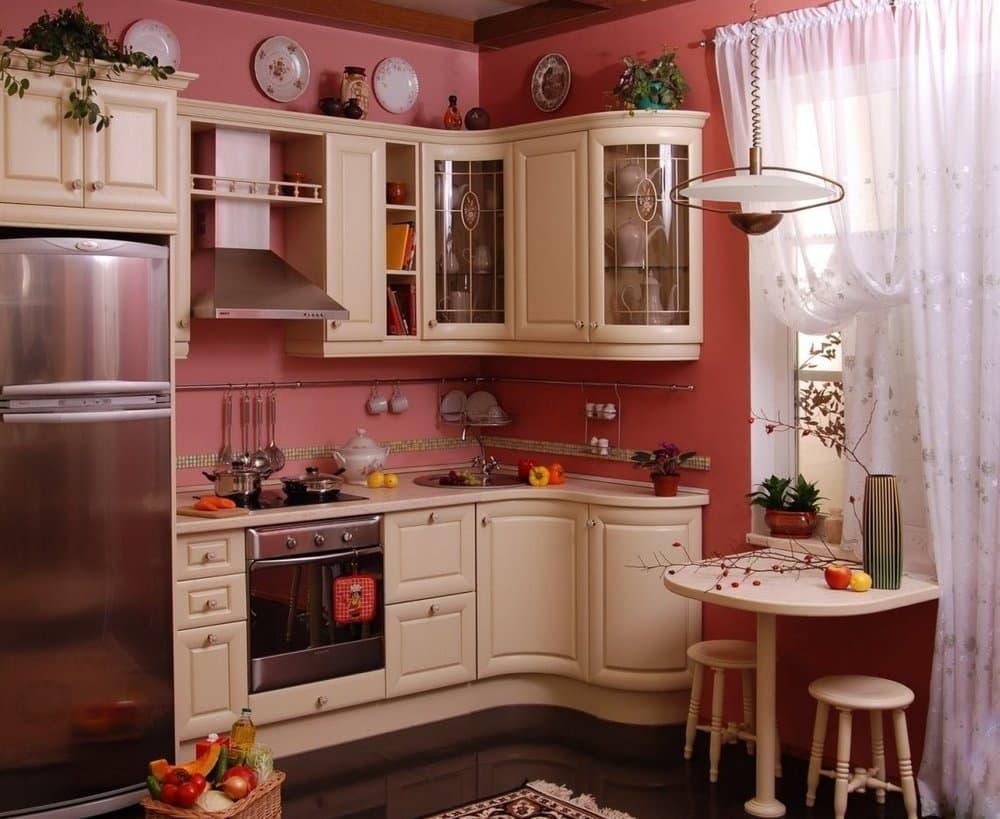 Маленькая кухня в стиле классика