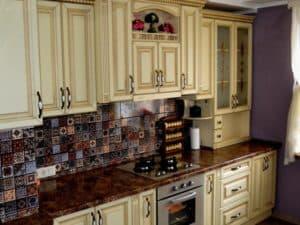 Классический кухонный гарнитур