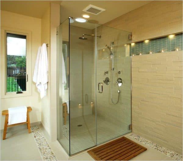 Ванная комната с открытой кабиной