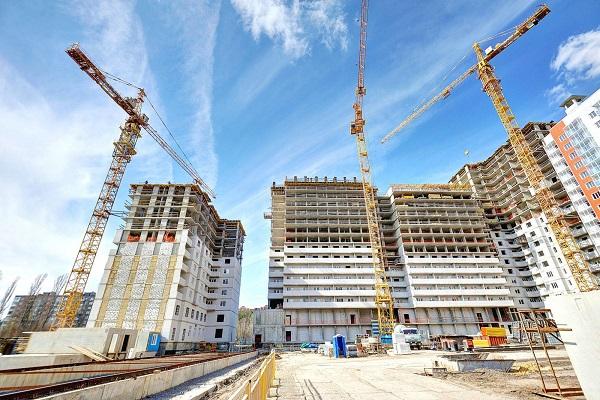 Строятся дома в Москве